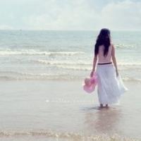 看海的女生头像图片