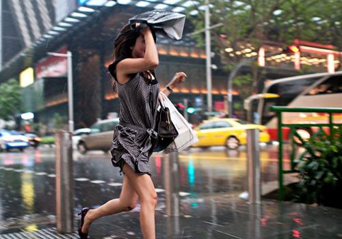 下雨心情郁闷的说说