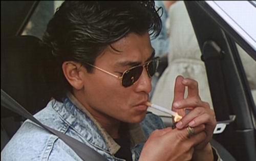 深夜一个人抽烟的说说