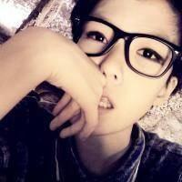 戴眼镜的qq女生头像