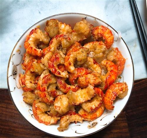 发表吃小龙虾的说说 吃龙虾发说说的句子