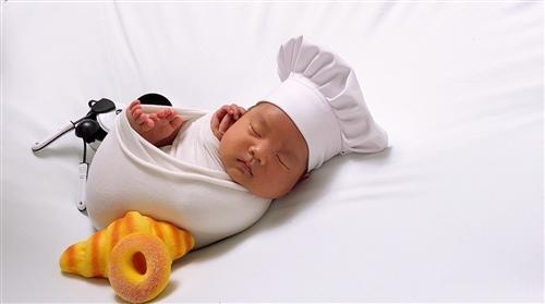 适合发宝宝满月的句子 关于宝宝出满月的句子