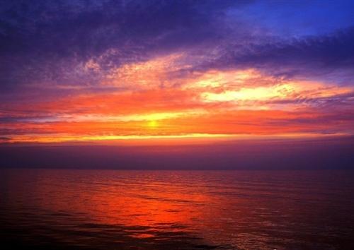 落日与晚霞的唯美短句 形容落日晚霞美的短句