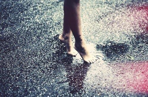 微信下雨天短语 下雨感慨说说心情