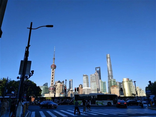 去上海发朋友圈的文字 来上海玩的朋友圈说说