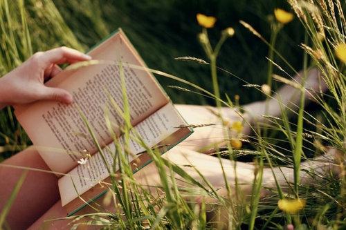 发朋友圈看书的说说 关于看书文艺范的说说