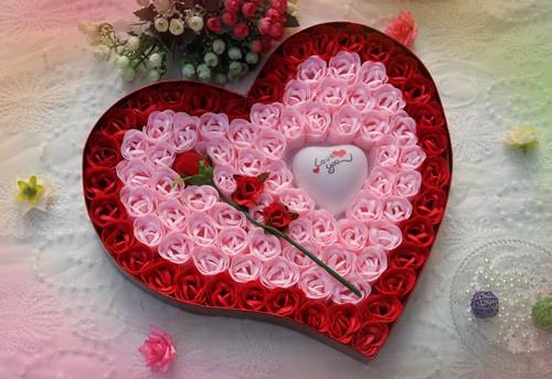 把爱埋在心底的句子 心里住着一个人的句子