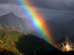 雨后见彩虹的励志句子