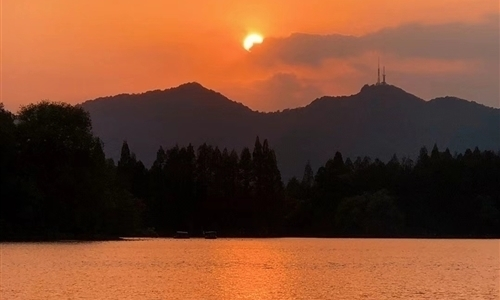 称赞西湖美景的诗 适合西湖的朋友圈文案